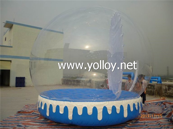clear snow globe with mat