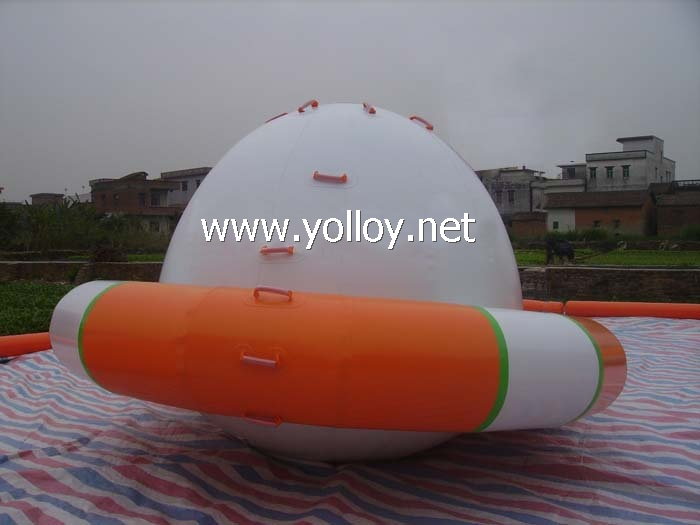 Inflatable Saturn Rocker water park game