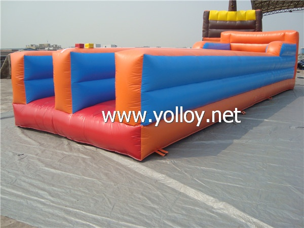 inflatale Bungee Run sport game