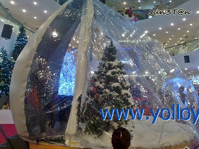 snow dome for Christmas party