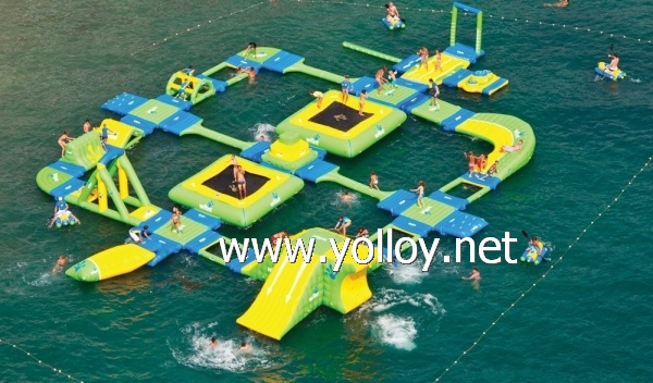 Amusement inflatable floating water park