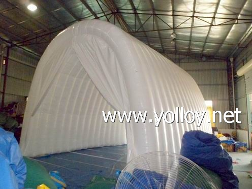 inflatable workshop as spray booth