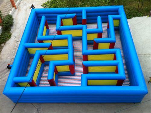 10m x10m inflatable maze game