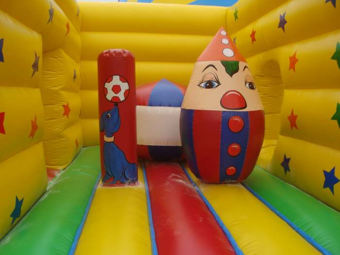 inflatable jumping castle details