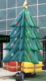 Giant inflatable Xmas tree