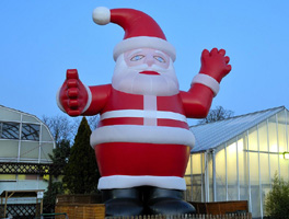 Giant santa claus inflatable