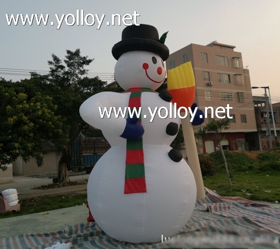 The snowman inflatable good xmas decorations ideas