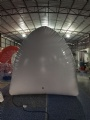 Airtight inflatable structure for making snow house